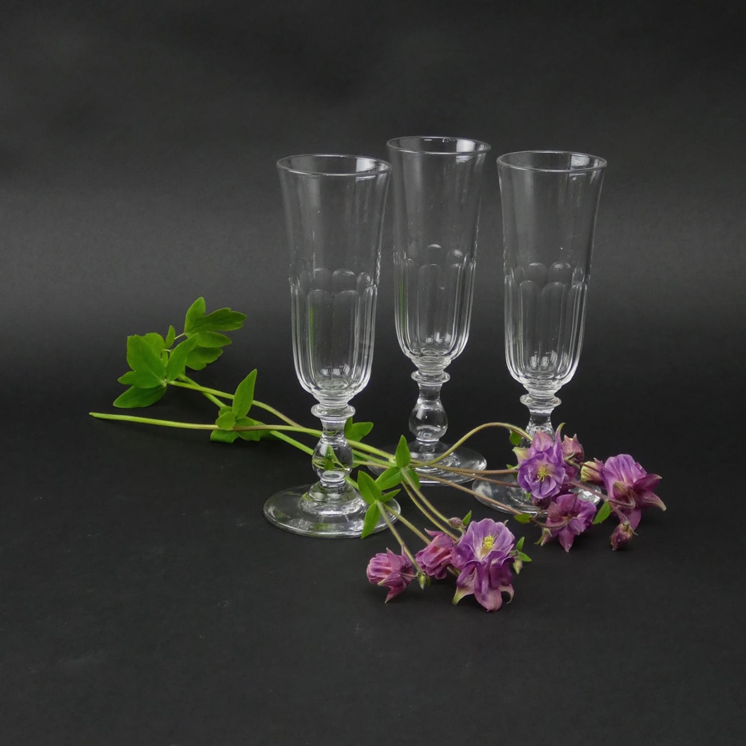 3 Crystal Champagne Flutes
