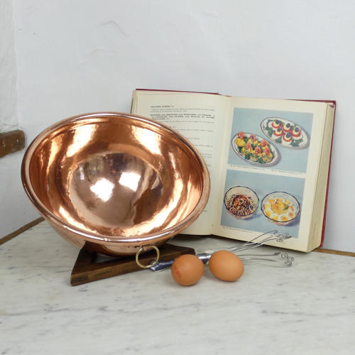 Egg Whisking Bowl.