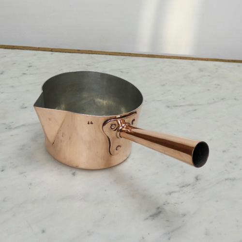 Copper pan with pouring spout