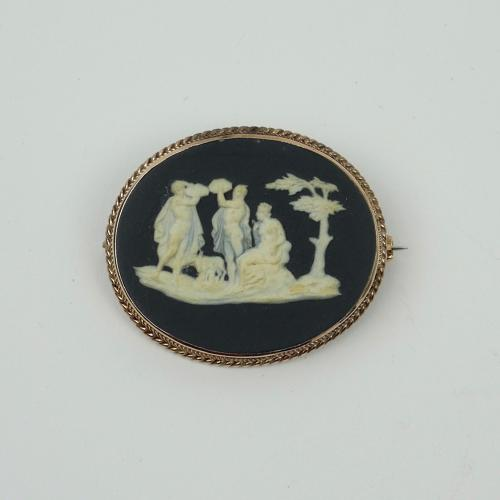 Wedgwood and Bentley broach