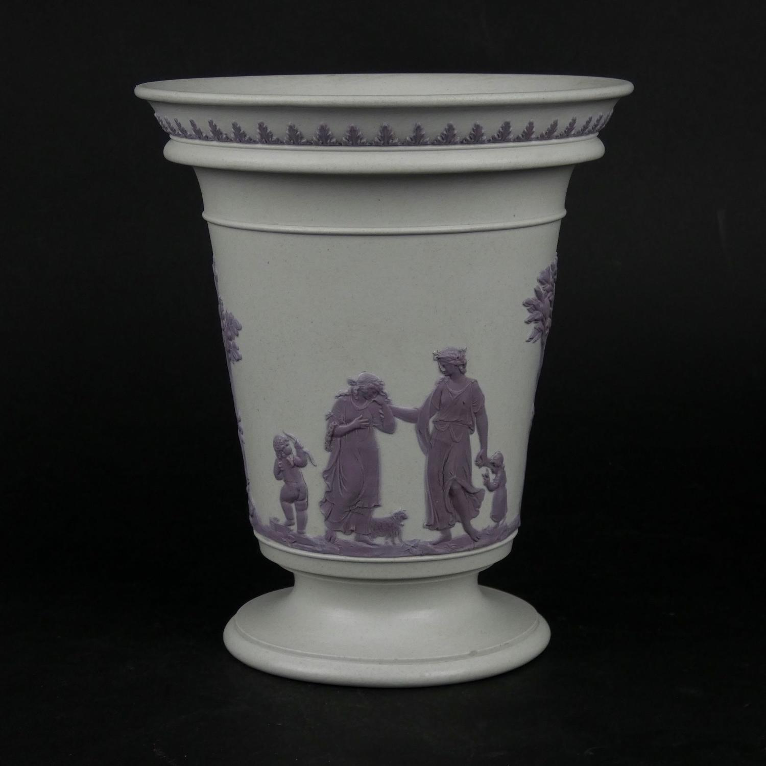 Stoneware vase with lilac relief