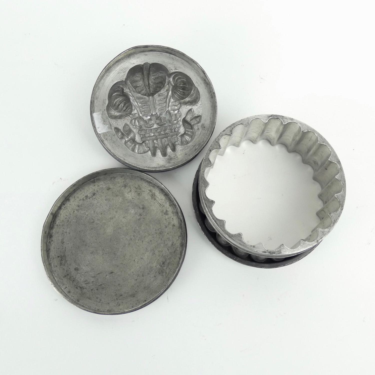 Pewter 'Prince of Wales feathers' ice cream mould