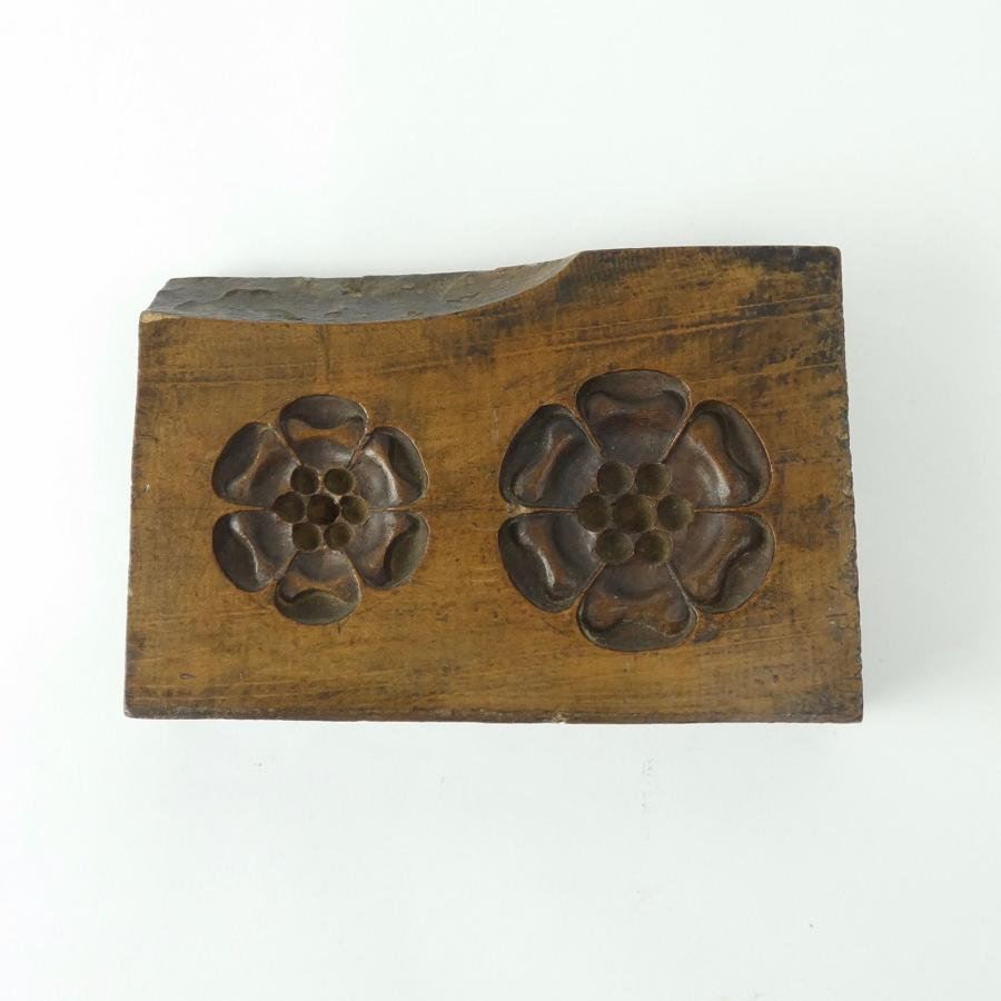 Tudor Rose sugar mould.