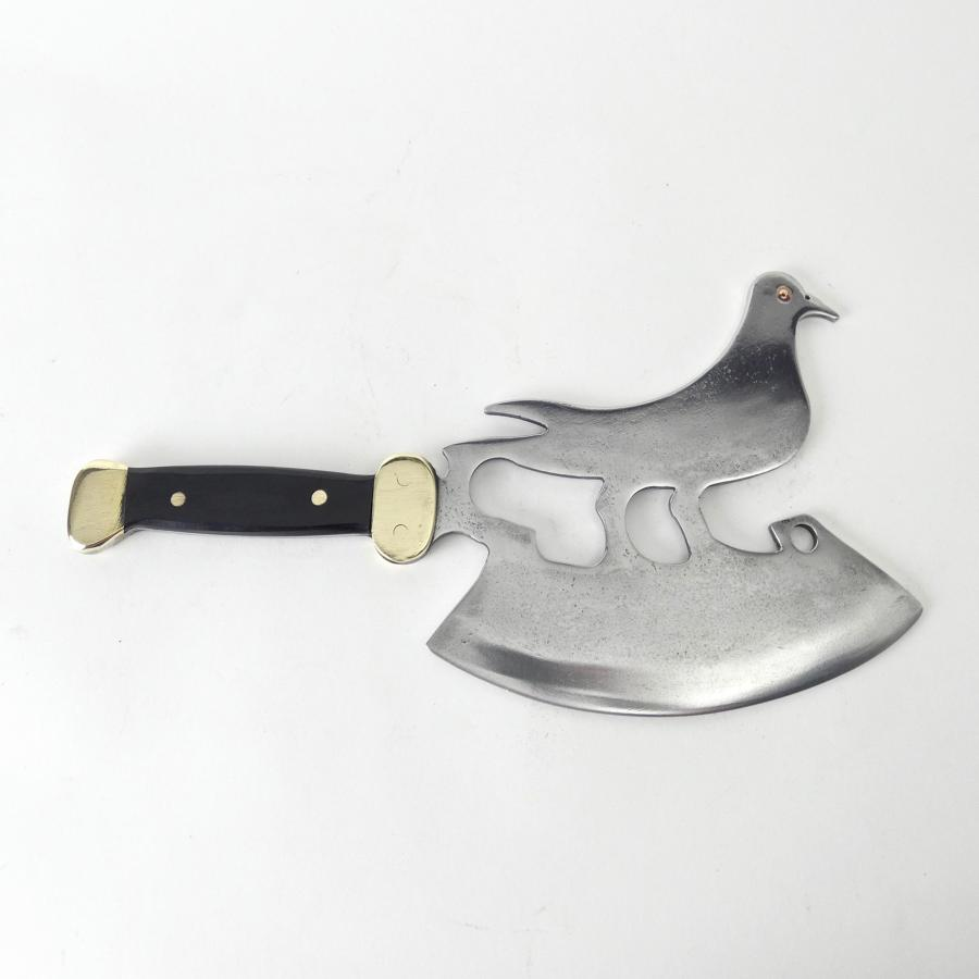 Bird shaped ice cleaver