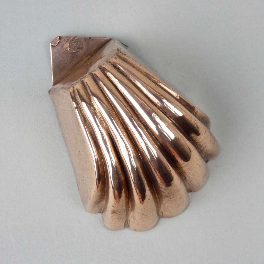 Miniature shell mould