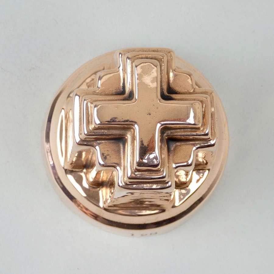 Miniature 'Alexandra Cross' mould