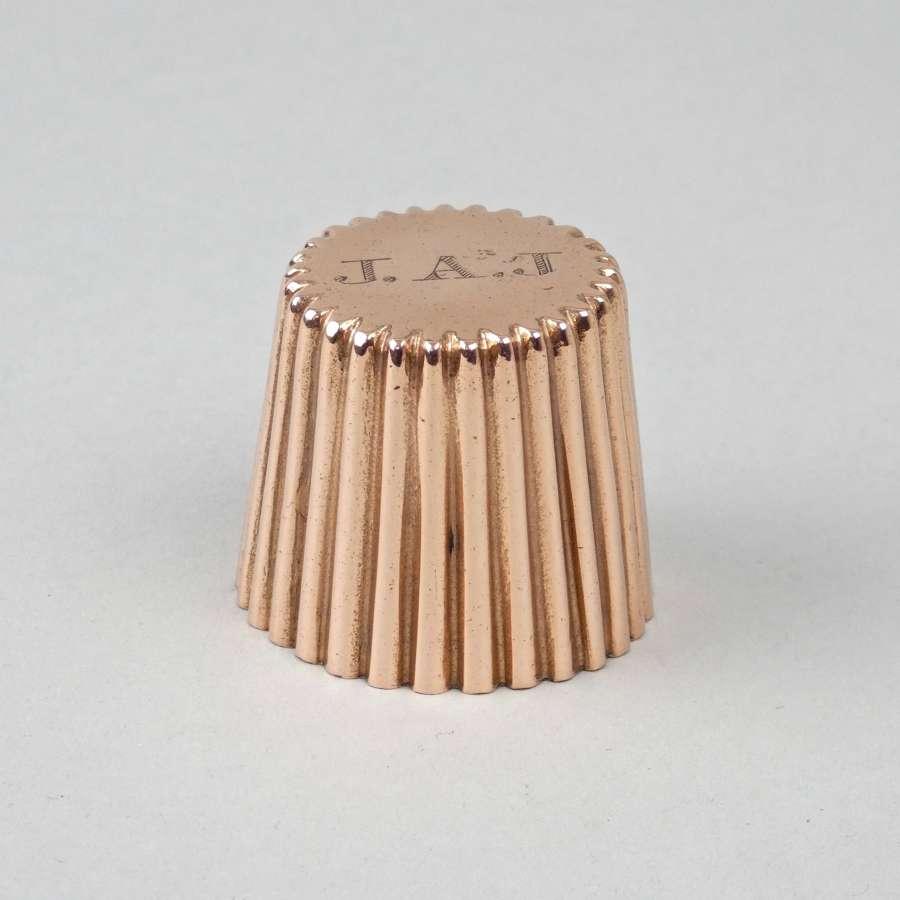 Miniature, fluted dariole mould
