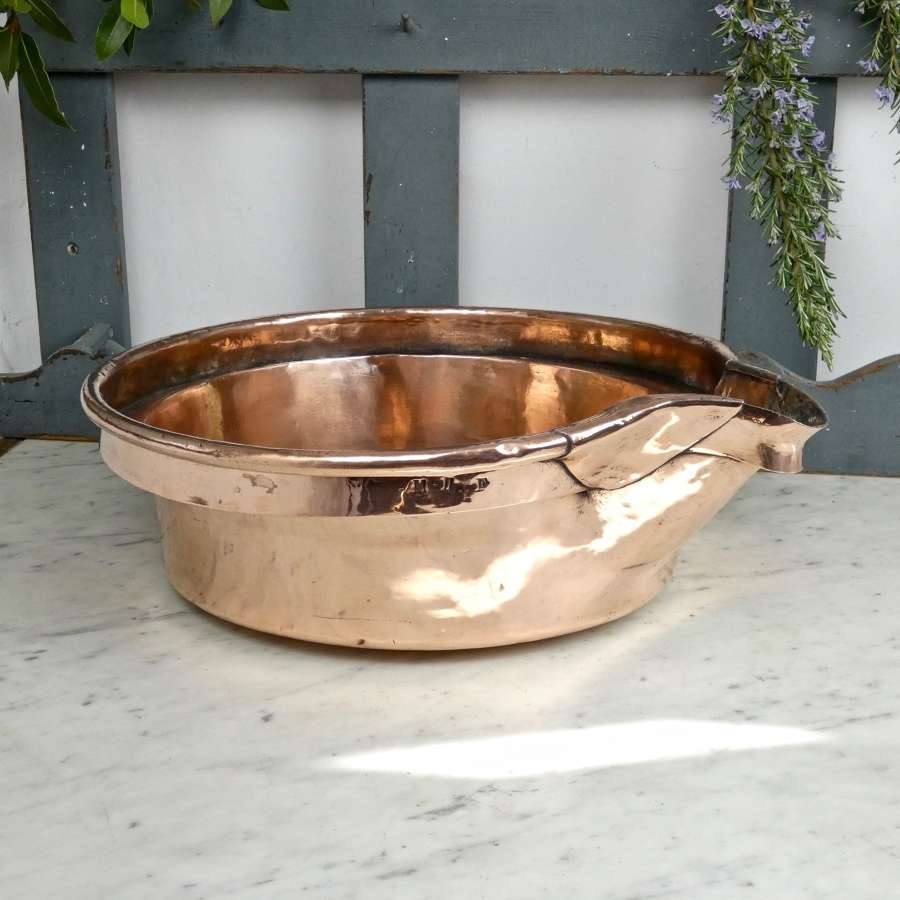 Copper, champagne settling pan
