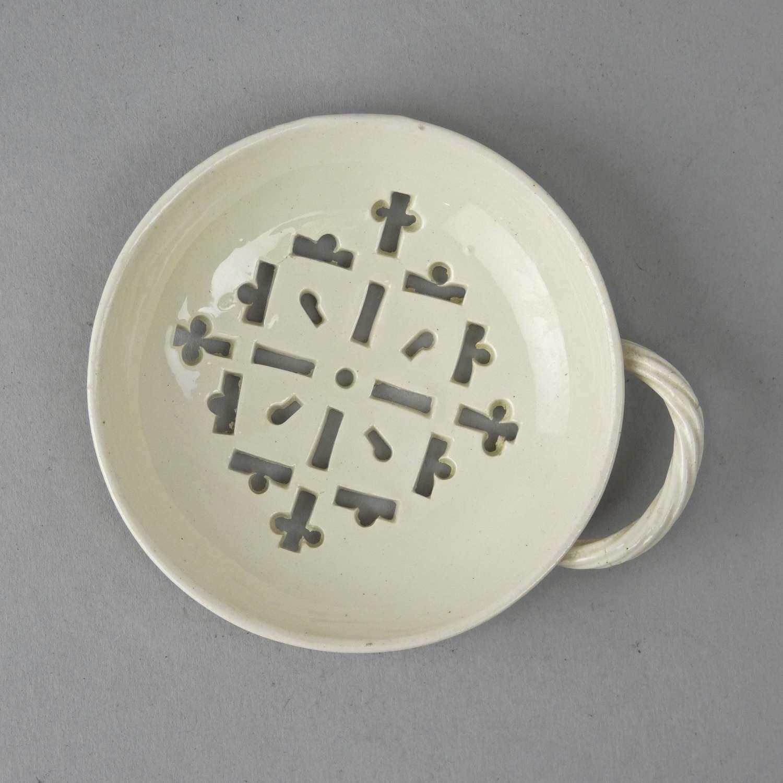 Creamware egg separator