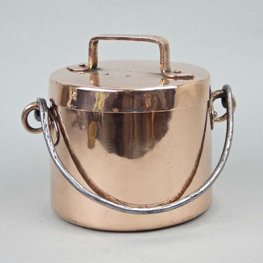 Very small, hanging stockpot