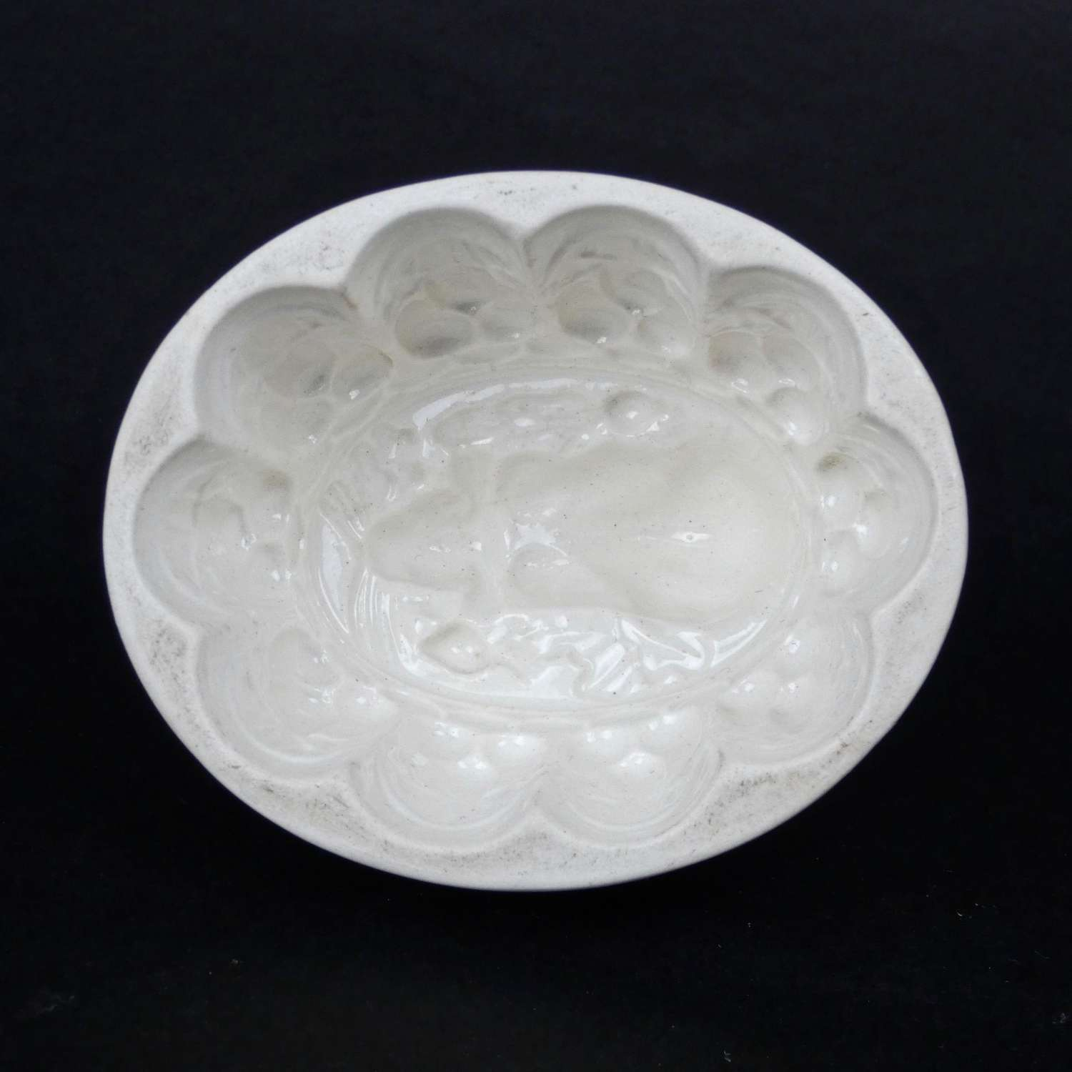 Rabbit jelly mould by Brownfield