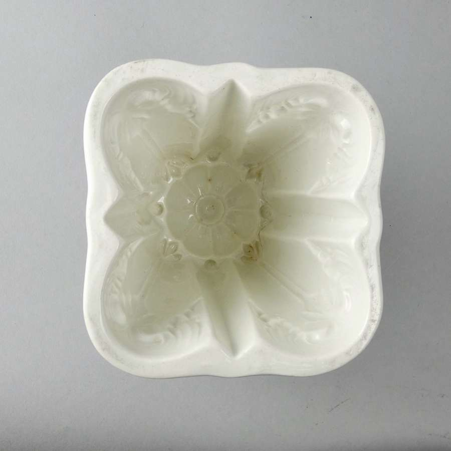 Unusual shaped ironstone mould