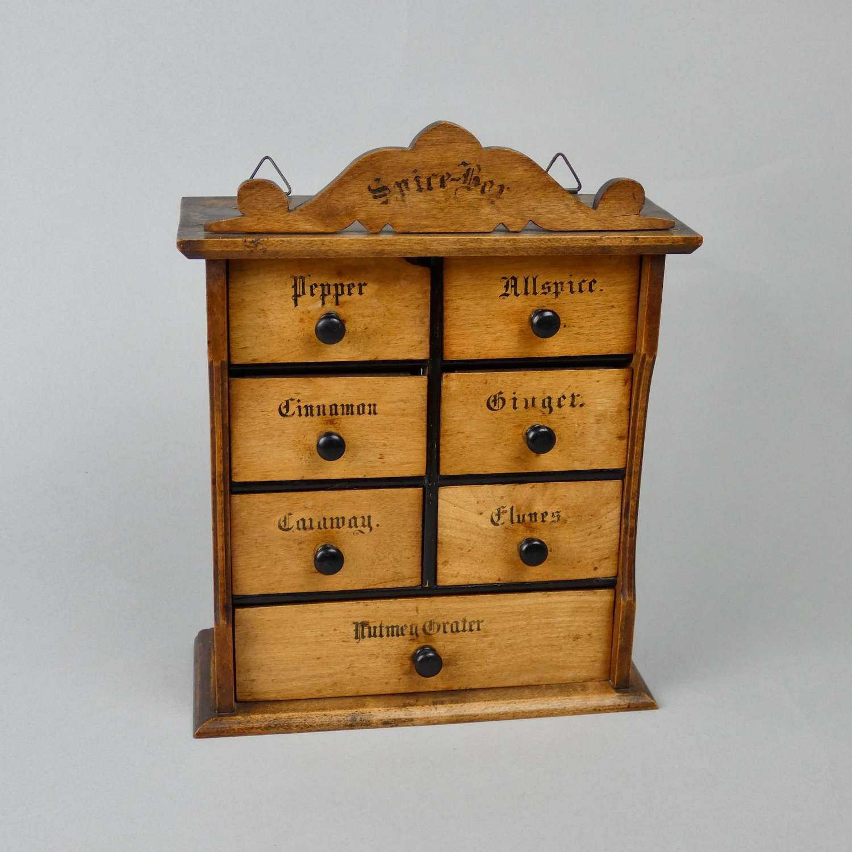 Pine spice box