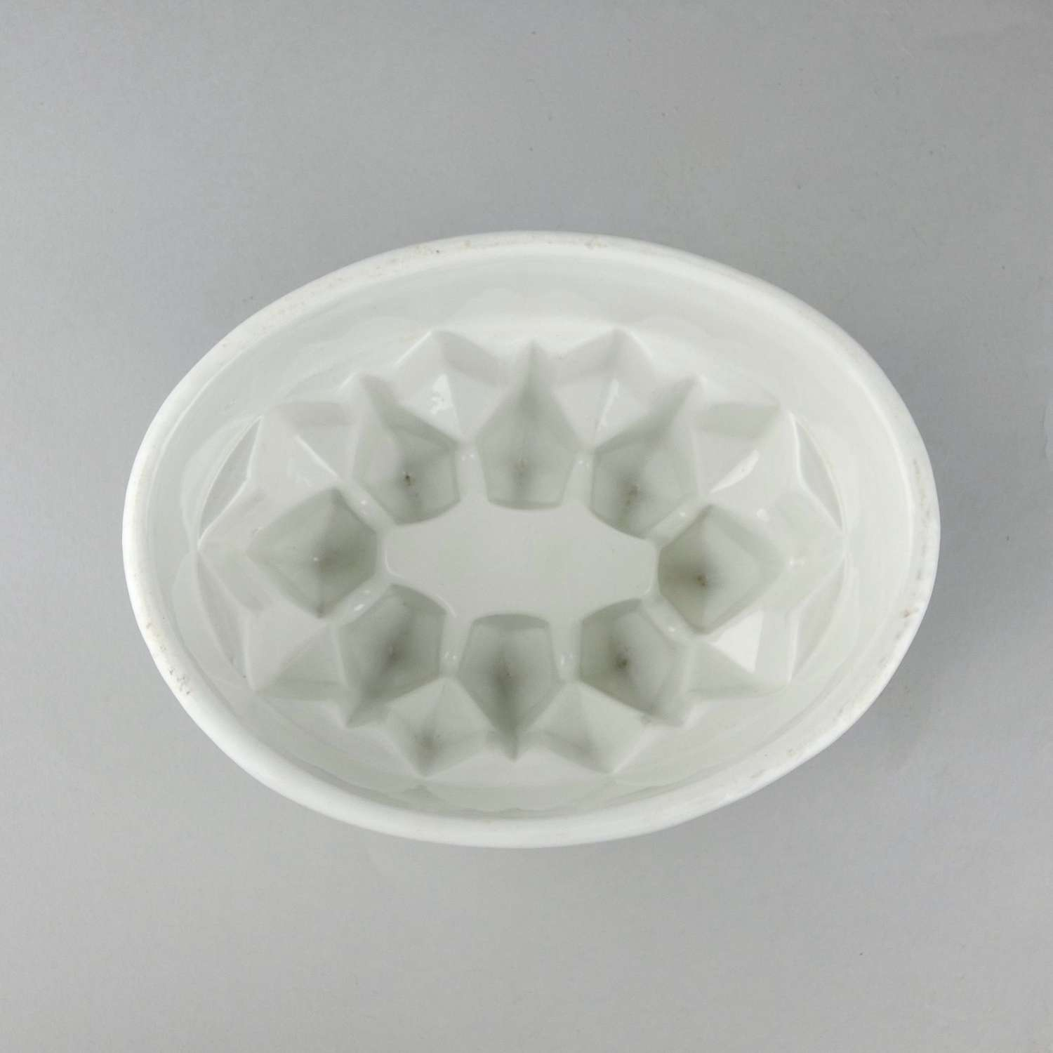 Heavy, ironstone mould