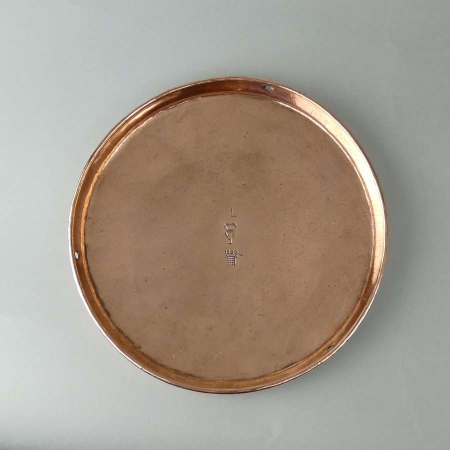 Copper scale pan with VR assay mark