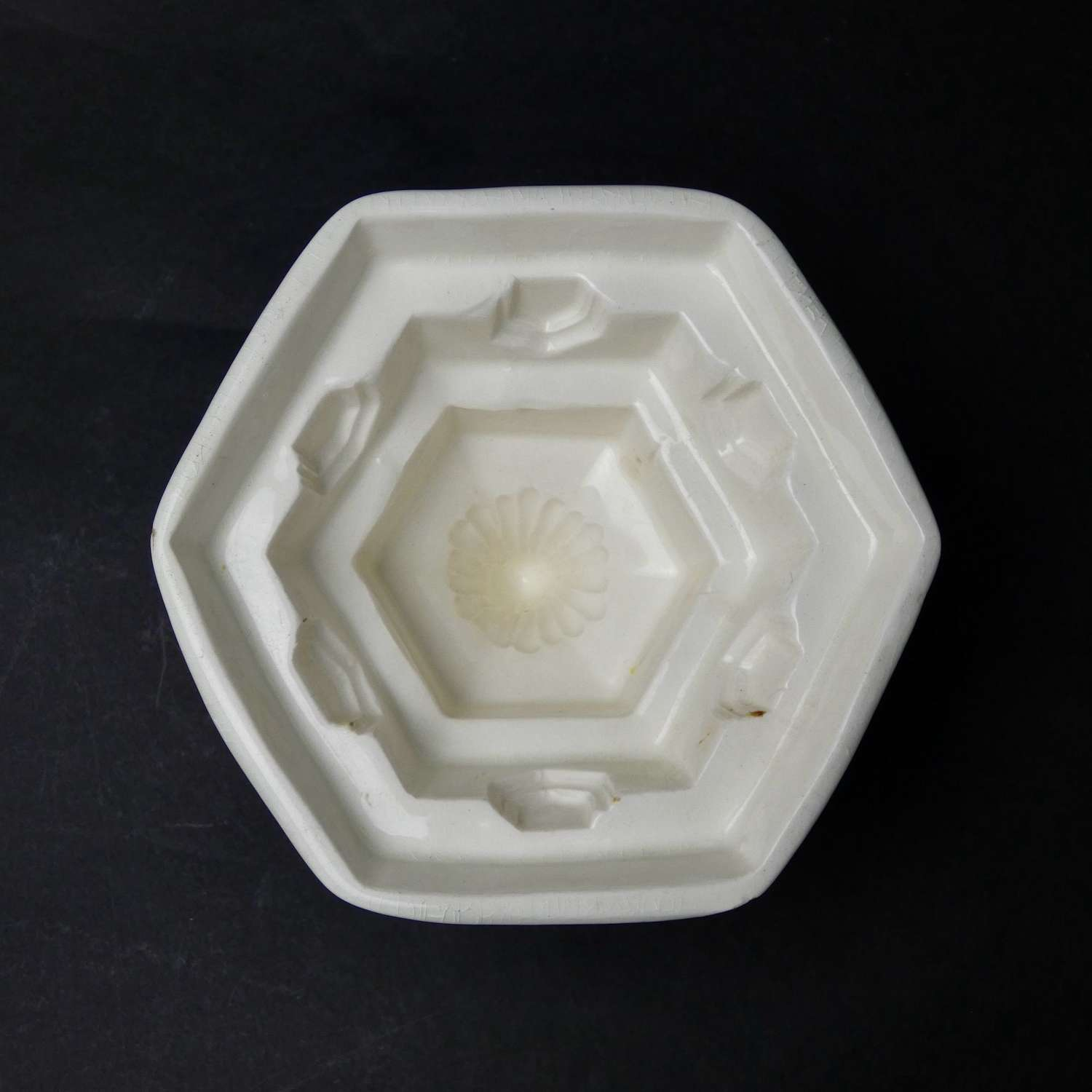 Minton marquee mould