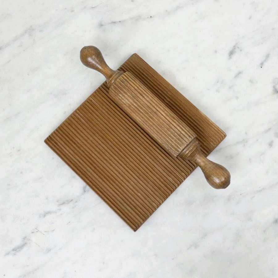 Wooden crimping board & roller