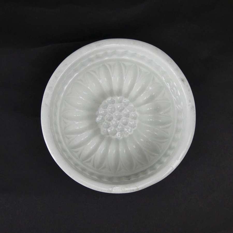 Sunflower pattern, pottery jelly mould